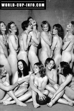 Australia Womens Soccer Team ... almost nude :-) ... circa 2000
