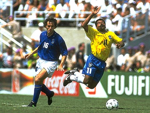 Roberto Donadoni and Romario during the final.